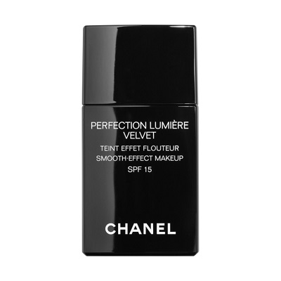 نقد و بررسی کرم پودر شنل Perfection Lumiere Velvet