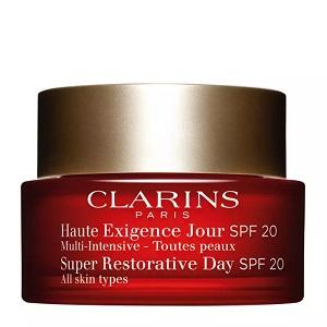 نقد و بررسی مرطوب کننده روز کلارینس Super Restorative Day Cream