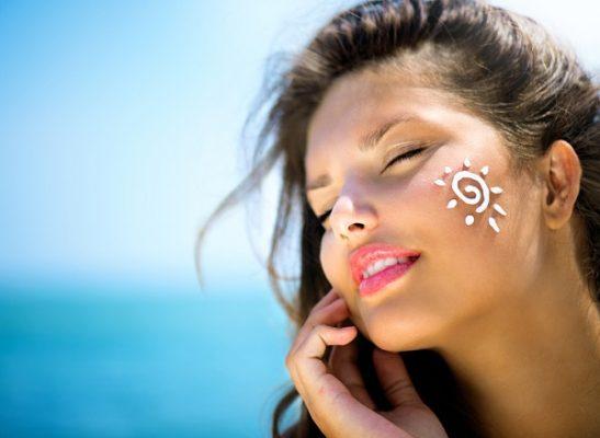 راهنمای کامل انتخاب کرم ضد آفتاب خیلی خوب!
