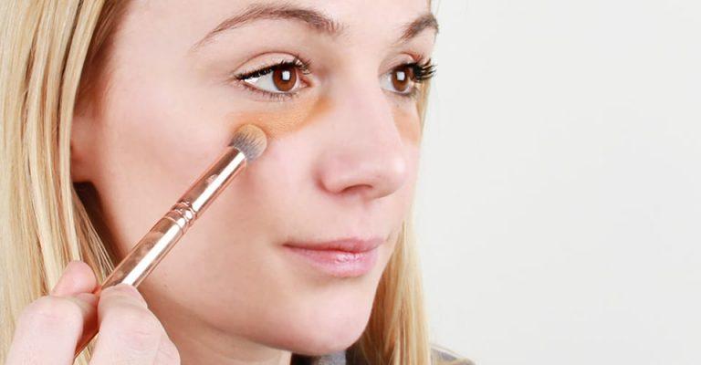 انتخاب بهترین رنگ کانسیلر برای آرایش صورت