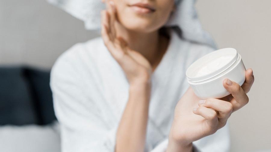 ایا پوست نیاز به مرطوب کننده دارد؟