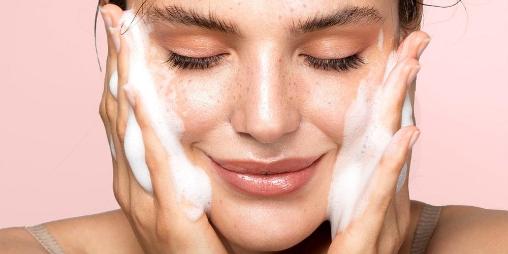 بهترین محصول شستشوی صورت برای انواع پوست
