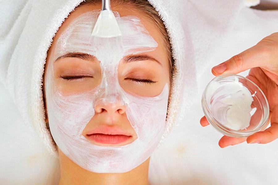 لایه برداری پوست چیست و بهترین روشهای لایه برداری کدامند؟