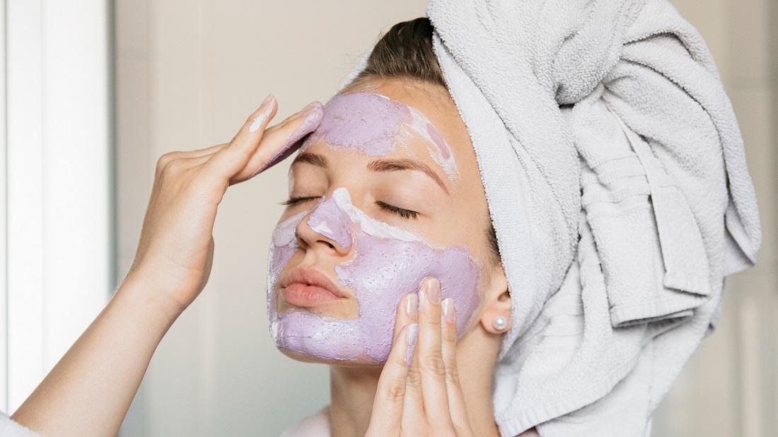 لایه بردار مناسب پوست حساس